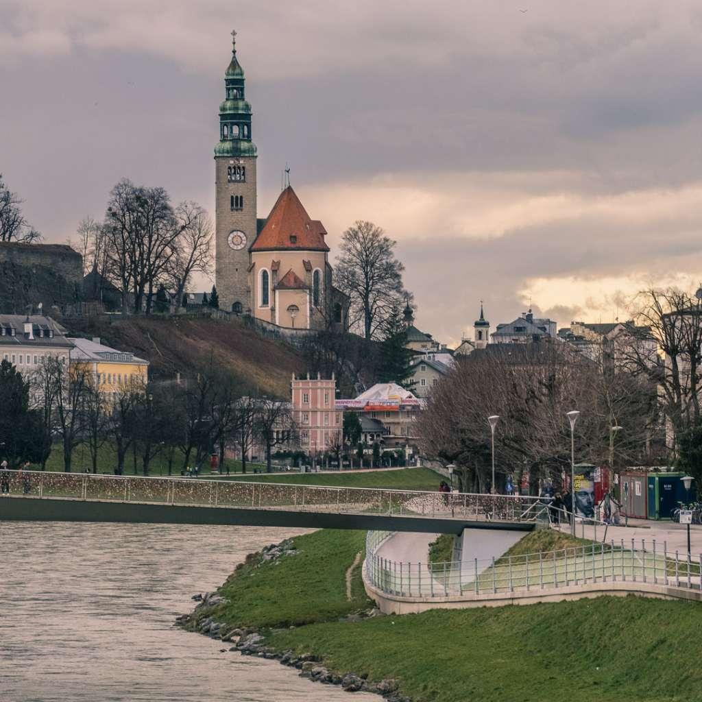 Müllner Church and Makartsteg from Staatsbrücke