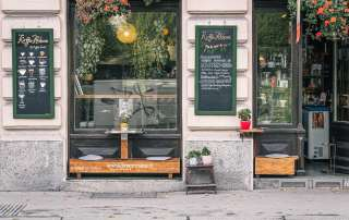 The front of Kaffee Alchemie in Salzburg