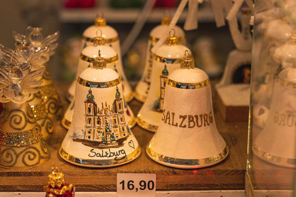 Souvenirs at the Christmas market in Salzburg