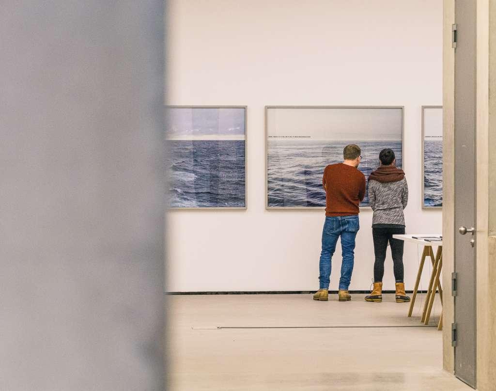 Besucher des Museums für Moderne Kunst