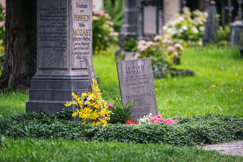 Das Grab der Familie Mozart auf dem Sebastiansfriedhof in Salzburg