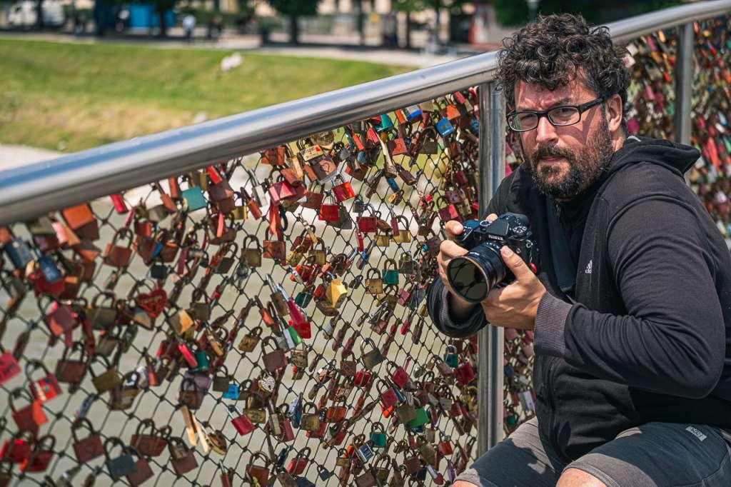 Gerhard Reus taking pictures of the Makartsteg Lockbridge in Salzburg