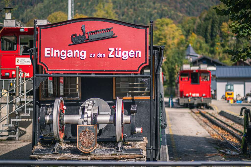 Eingang zu den Zügen der Schafbergbahn